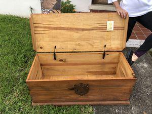 100% Wooden Trunk for Sale in Miami, FL
