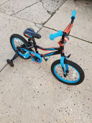 Giant Animator Boys Bike for Sale in Mineola, NY