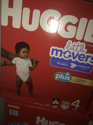 Huggies Little Movers Plus Size 4 (186) for Sale in Las Vegas, NV