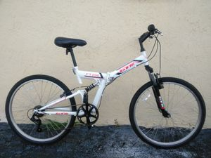 """GTM FT-200 26"""" Folding Mountain Bike excellent condition for Sale in Miami Gardens, FL"""