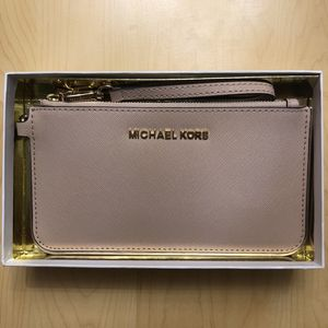 Michael Kors Leather Wristlet for Sale in Boston, MA