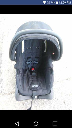 Newborn Car seat for Sale in Van Wert, OH