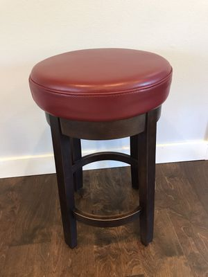 Quality Swivel Top Stool from Dania Furniture for Sale in Tualatin, OR