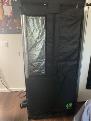 Grow Tent 32x32x71inches for Sale in Los Angeles, CA