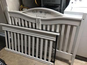 Crib - Eddie Bauer for Sale in San Bernardino, CA
