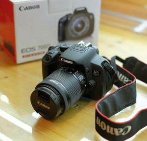 CANON EOS 700D CAMERA for Sale in St. Louis, MO