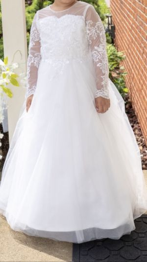 Flower girl dress with hoop for Sale in Dearborn Heights, MI