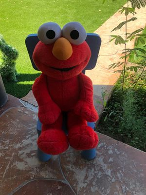 "2002 Fisher-Price Sesame Street 30"" Elmo Plush Stuffed Animal talks,sings and vibrates for Sale in Glendale, AZ"