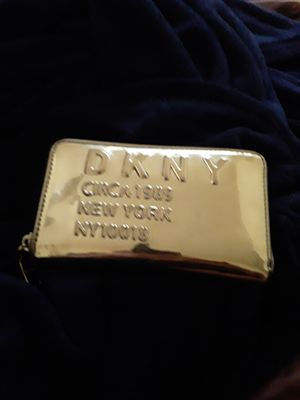 Dkny wallet like new for Sale in Washington, DC