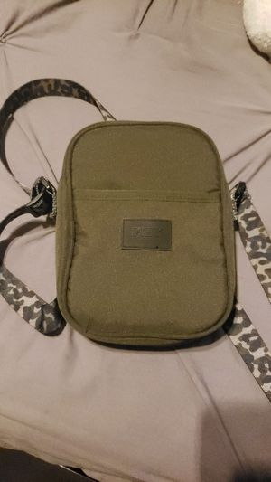 PINK by VS, camouflage crossbody for Sale in Powder Springs, GA