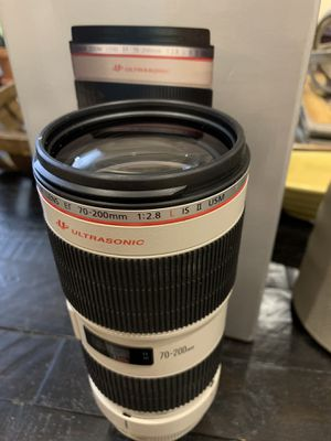 Canon EF 70-200mm f/2.8L USM lens for Sale in West Covina, CA