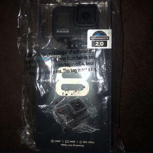 GoPro HERO8 Black 4K Waterproof Action Camera (Black) CHDHX-801 for Sale in Allen Park, MI