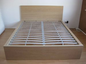 King Size Bed Frame ( Great Condition ) for Sale in Brooks, OR