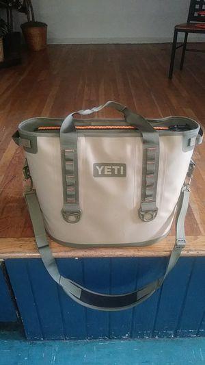 Yeti Hopper 30 cooler bag for Sale in Portland, OR