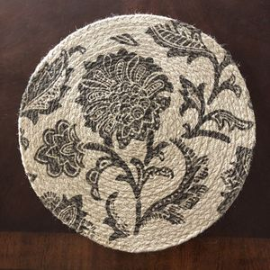 Jute placemats - set of 19 for Sale in Upland, CA