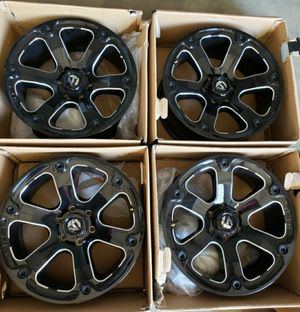 """6x135 bolt pattern 20""""×9"""" Fuel Off-Road Beast D562 Series Gloss Black Wheels with Milled Accents for Sale in Corona, CA"""