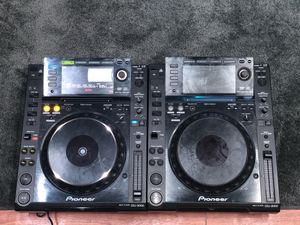 Pioneer cdj 2000 multiplayer one works other for parts Avail today for Sale in Brooklyn, NY