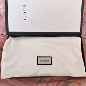 Gucci wallet never used. brand new for Sale in West Palm Beach, FL