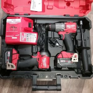 Milwaukee M18 Fuel Brushless Hammer Drill/Impact Combo Kit for Sale in Houston, TX