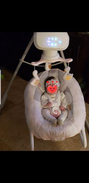 Baby swan swing rocker for Sale in Boca Raton, FL