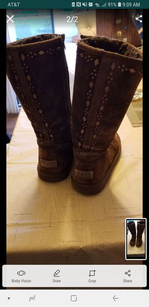 2 pair of UGG boots black and chocolate brown for Sale in San Diego, CA