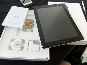 "Apple iPad -3 // 32GB, 9.7inch (Wi-fi with Interest access) Excellent Condition,""as LikE neW"" for Sale in Springfield, VA"