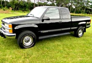 PRICE$5OO '96 Silverado Clean for Sale in Rockville, MD