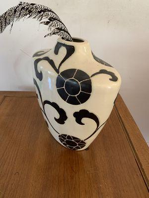 (2) vintage style Ceramic Vases for Sale in Los Angeles, CA