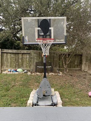 "Spaulding 54"" Acrylic basketball hoop for Sale in San Antonio, TX"