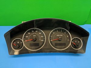 2005 Jeep Grand Cherokee Dash Instrument Cluster for Sale in Arlington Heights, IL