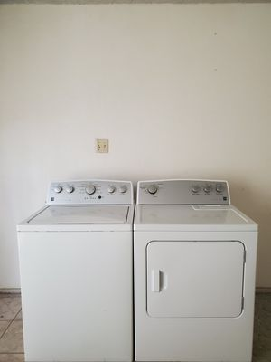 SET WASHER AND DRYER KENMORE GOOD CONDITION BOTH ELECTRIC LARGE CAPACITY for Sale in Fort Worth, TX