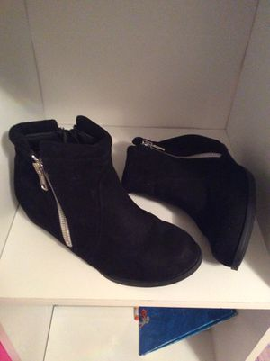 Harper Canyon black boots for girl size 1 for Sale in Colton, CA