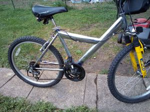 25 inch 15 speed mounten bike new tires 30 or best offer for Sale in Newark, OH