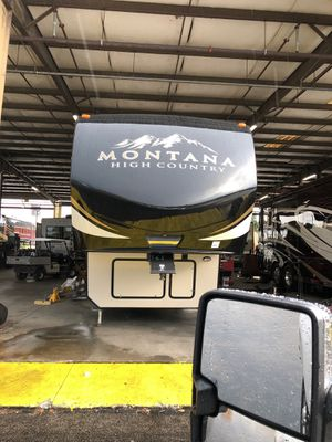2018 33 feet Montana fifth wheel for Sale in Plantation, FL