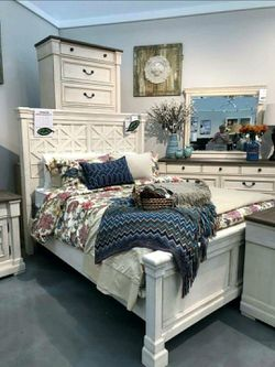 💦. BRAND NEW. 💦SPECIAL] Bolanburg Antique White Louvered Panel Bedroom Set for Sale in Beltsville,  MD