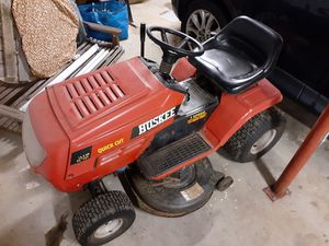 """Huskee 16.5hp 42"""" Cutting Deck Riding Mower for Sale in Winston-Salem, NC"""