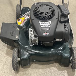 BRAND NEW GAS POWERED Briggs And Stratton Lawn Mower for Sale in Scottsdale, AZ