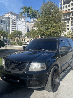 2004 Ford Expedition 3rd Row Seating 26s wheels Apple Car Play for Sale in Hialeah,  FL