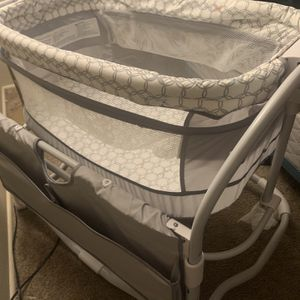 Bassinet for Sale in Tacoma, WA