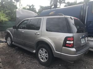 2008 Ford Explorer for parts clean title for Sale in Carol City, FL