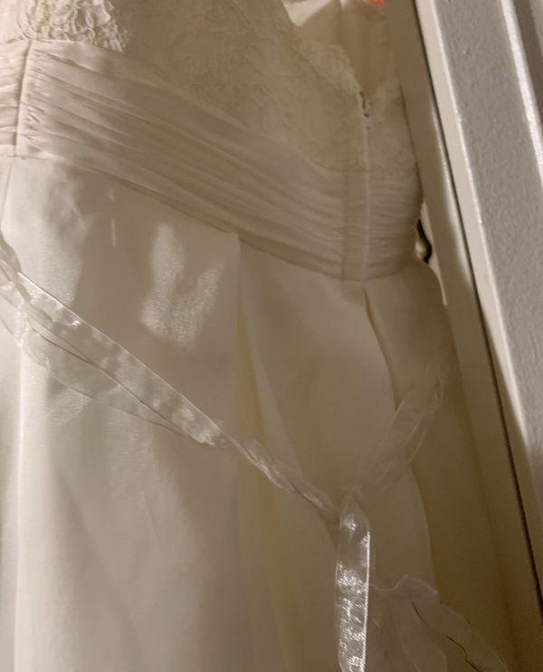 Off-white wedding dress
