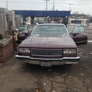 1987 Chevrolet Caprice Classic for Sale in Cleveland, OH