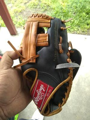 New Rawlings kids baseball glove for Sale in Irwindale, CA
