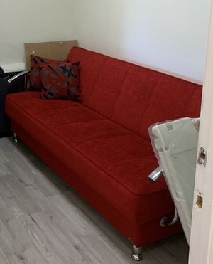 Red Couch futon for Sale in Doral, FL