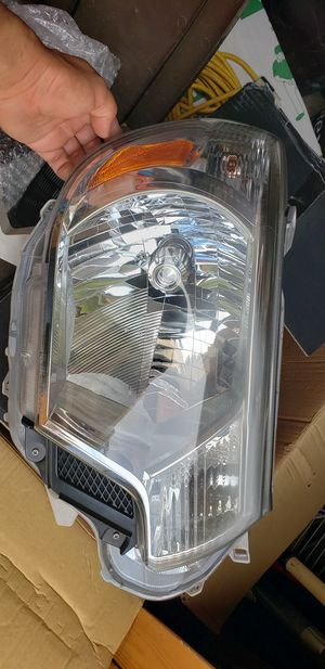 2012 - 2015 Toyota tacoma Right Headlight for Sale in Norcross, GA