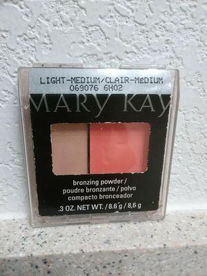 Mary Kay Bronzing Powder / Light - Medium / Clair - Medium 2013 Discontinued for Sale in Redding, CA