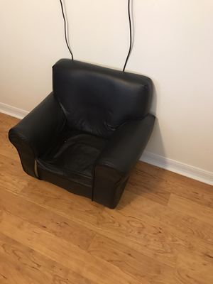 Kids Chair with Ottoman for Sale in Miami, FL