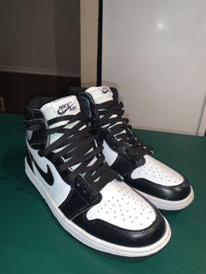 Air Jordan 1 Retro High High BLK/WHITE for Sale in Appleton, WI