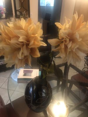 Vase with 2 artificial flowers for Sale in Sterling Heights, MI