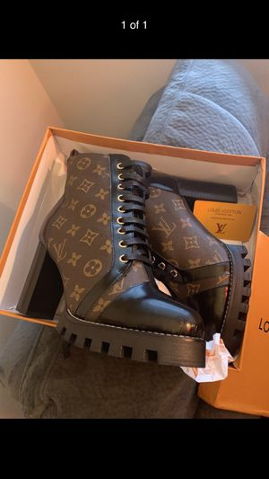 Louis Vuitton Heels for Sale in Cleveland, OH